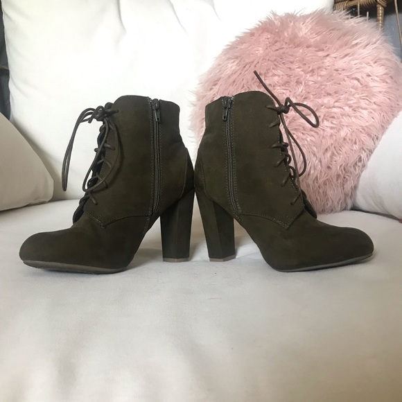 BAMBOO Shoes - Bamboo Olive Green Booties